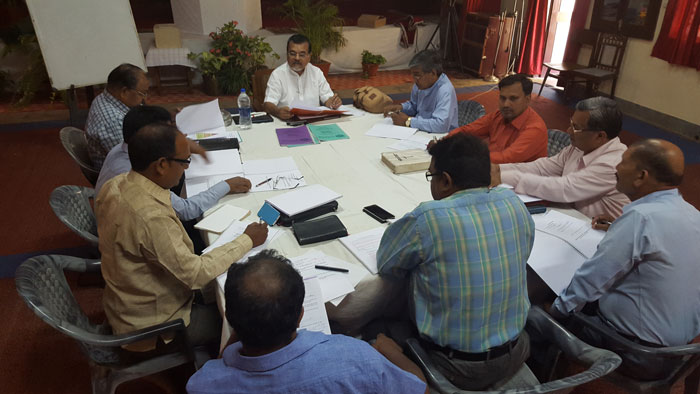 Mahavir (bottom right) during recent Teacher Training Workshop